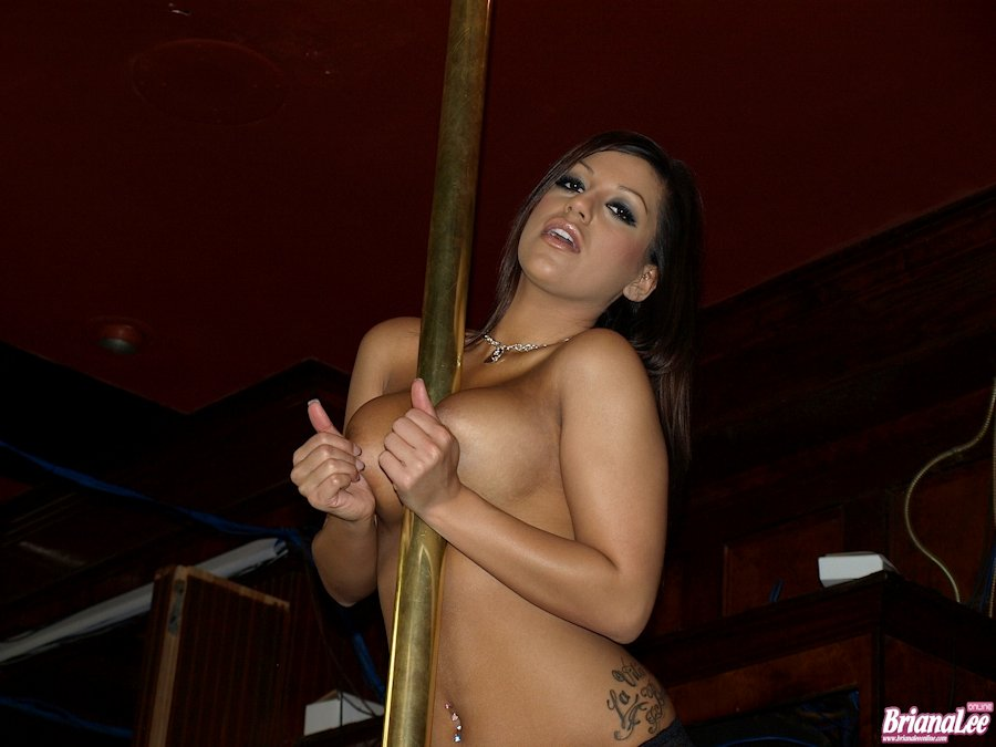 Sexy nude girls pole dancing