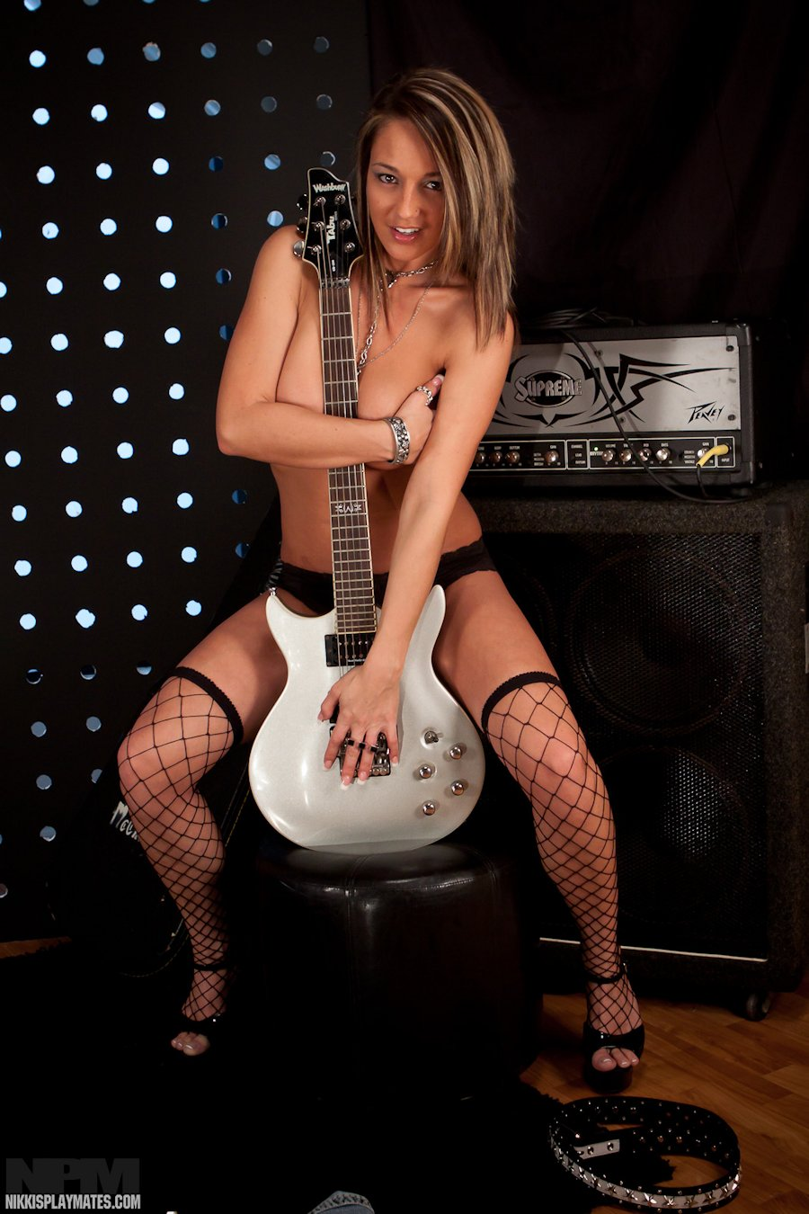 girls guitar sex video